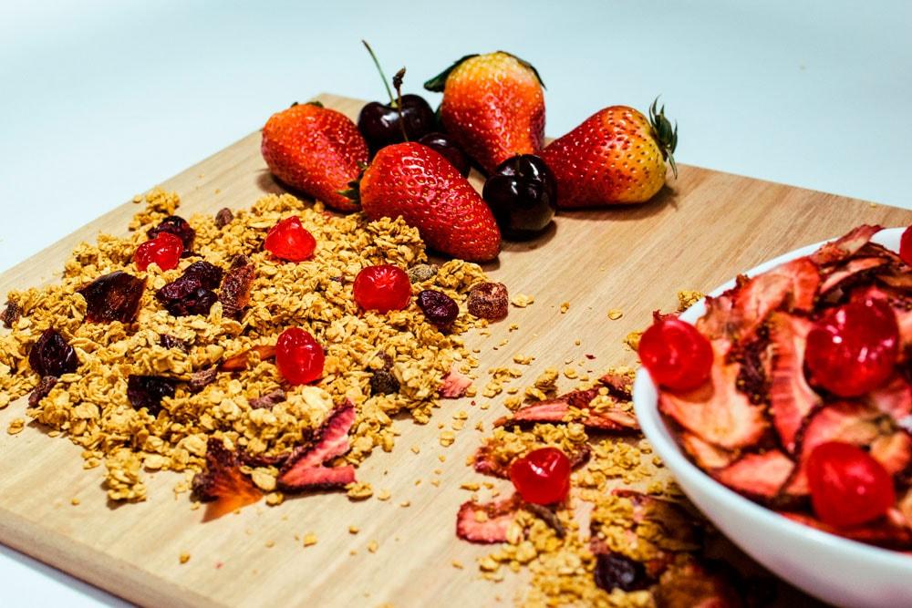 luna-miel-granola-frutos-rojos-1-min